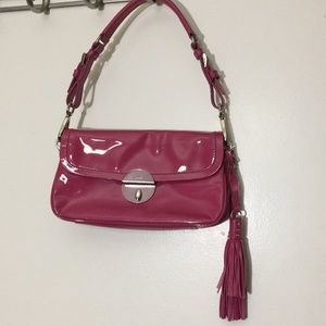 Prada fuscia patent leather shoulder bag